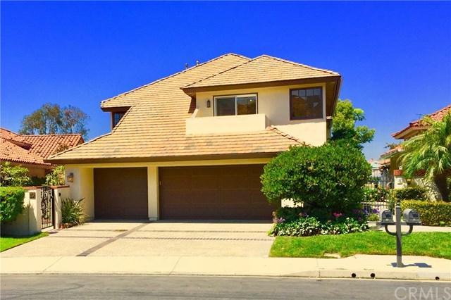 10 Los Monteros Drive, Dana Point, CA 92629 (#OC17188538) :: Berkshire Hathaway Home Services California Properties