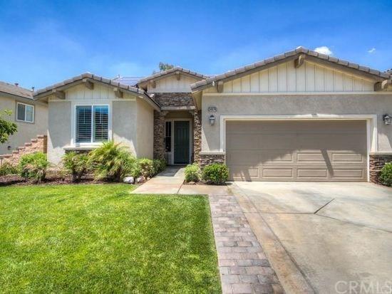 34074 Corktree Road, Lake Elsinore, CA 92532 (#OC17190418) :: Allison James Estates and Homes