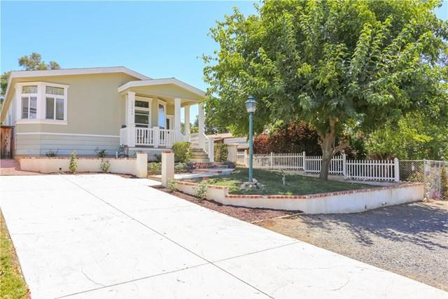 32920 Mountain View Avenue, Lake Elsinore, CA 92530 (#SW17176550) :: Allison James Estates and Homes