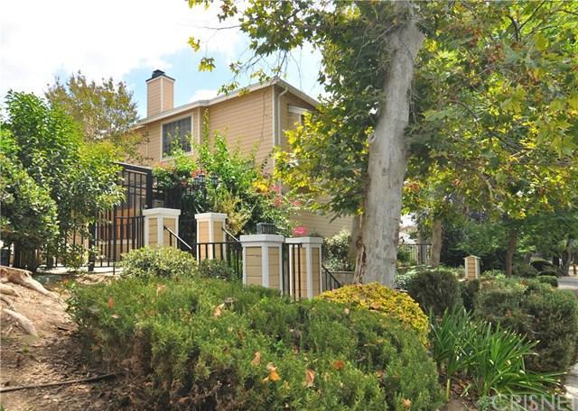 7038 De Celis Place #21, Lake Balboa, CA 91406 (#SR17190748) :: The Brad Korb Real Estate Group