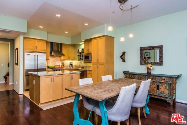 4050 Glencoe Avenue #203, Marina Del Rey, CA 90292 (#17261936) :: TruLine Realty