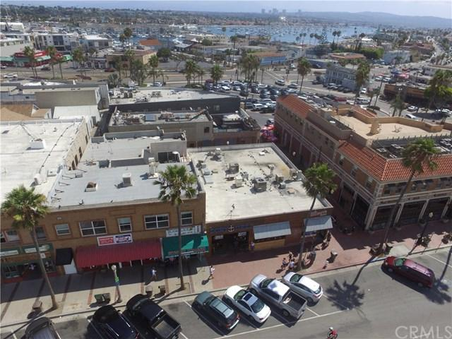2110-2112 W Oceanfront, Newport Beach, CA 92663 (#OC17191201) :: Fred Sed Realty