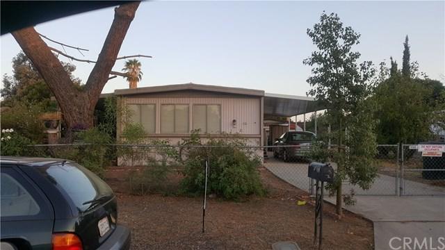 171 San Felipe Drive, Perris, CA 92571 (#IV17191260) :: RE/MAX Estate Properties