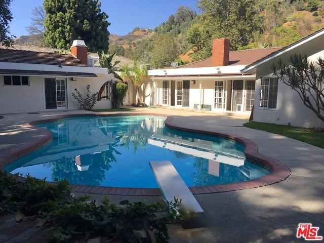 1249 Shadybrook Drive, Beverly Hills, CA 90210 (#17262148) :: The Marelly Group | Realty One Group