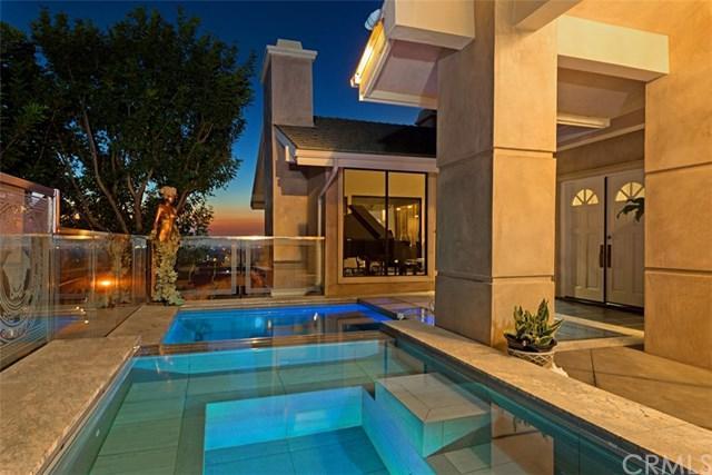 5 Saint Tropez, Newport Beach, CA 92660 (#NP17189396) :: Fred Sed Realty
