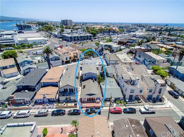 606 36th Street, Newport Beach, CA 92663 (#NP17188502) :: Fred Sed Realty