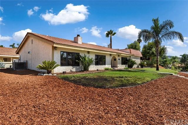 30012 Swan Point Drive, Canyon Lake, CA 92587 (#SW17190345) :: Impact Real Estate
