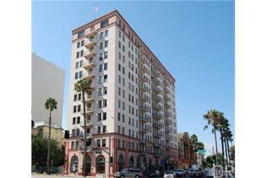 455 E Ocean Boulevard #704, Long Beach, CA 90802 (#PW17190916) :: Keller Williams Realty, LA Harbor