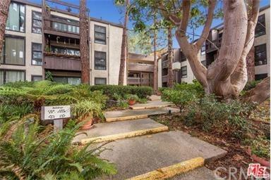 7742 Redlands Street H1033, Playa Del Rey, CA 90293 (#DW17191687) :: Erik Berry & Associates
