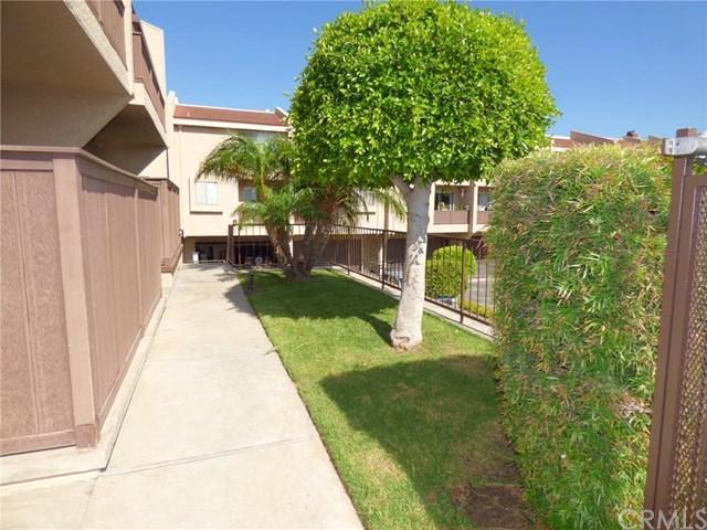 22539 Figueroa #404, Carson, CA 90745 (#SB17186604) :: RE/MAX Estate Properties