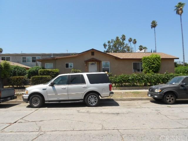 14302 Kittridge Street, Van Nuys, CA 91405 (#SR17191419) :: The Brad Korb Real Estate Group