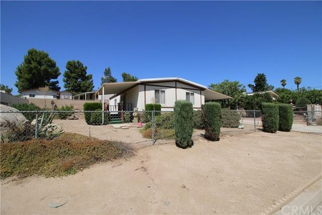 750 Paul Court, Perris, CA 92570 (#SW17191983) :: RE/MAX Estate Properties