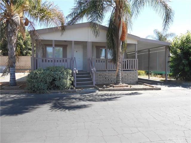 880 N Lake Street #8, Hemet, CA 92544 (#SW17190465) :: RE/MAX Estate Properties