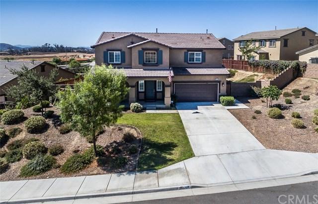 28605 Hellebore Street, Murrieta, CA 92563 (#SW17192029) :: RE/MAX Estate Properties