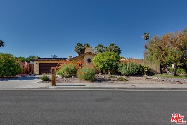 2150 E Calle Papagayo, Palm Springs, CA 92262 (#17262430) :: Carrington Real Estate Services