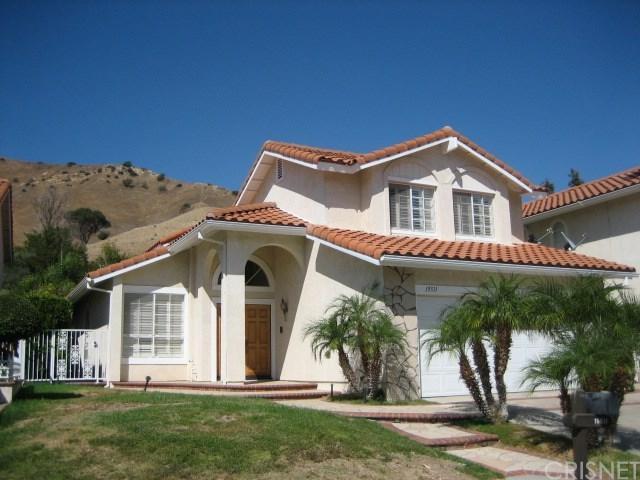 19511 Kilfinan Street, Northridge, CA 91326 (#SR17192352) :: The Brad Korb Real Estate Group