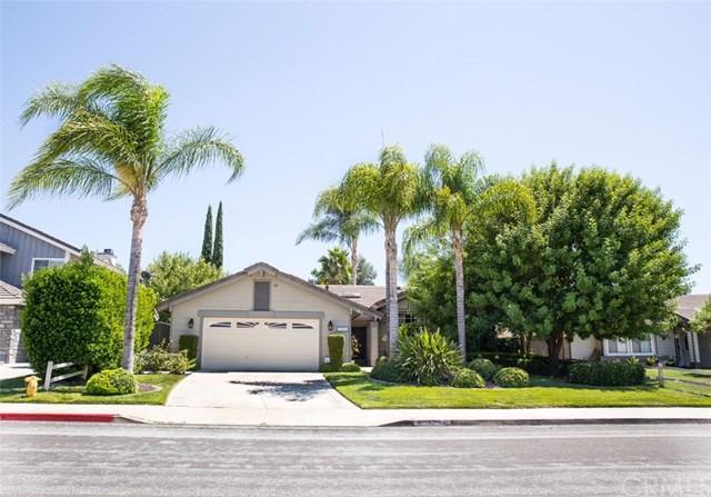31211 Corte Alhambra, Temecula, CA 92592 (#SW17192318) :: Carrington Real Estate Services