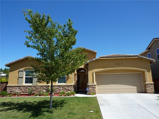 32470 Meadow Glen Court, Wildomar, CA 92595 (#SW17192401) :: Kristi Roberts Group, Inc.