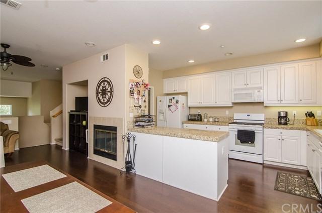 33610 Willow Haven Lane #104, Murrieta, CA 92563 (#SW17192460) :: RE/MAX Estate Properties