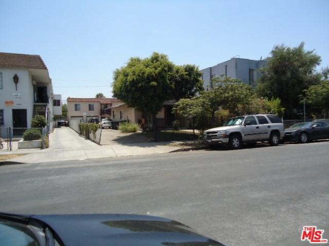 5750 Lexington Avenue, Los Angeles (City), CA 90038 (#17262668) :: TruLine Realty