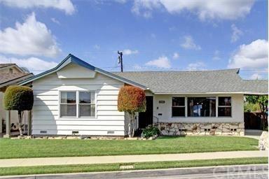 8541 Byers Street, Downey, CA 90242 (#CV17192819) :: Berkshire Hathaway Home Services California Properties
