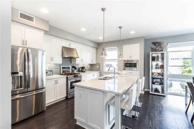 131 Tribeca Way, Costa Mesa, CA 92627 (#OC17192787) :: DiGonzini Real Estate Group