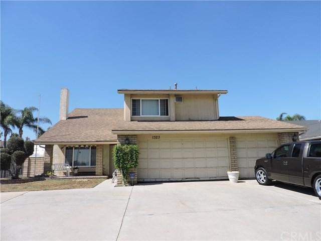 1323 E Riverside Drive, Ontario, CA 91761 (#IV17192790) :: RE/MAX Estate Properties