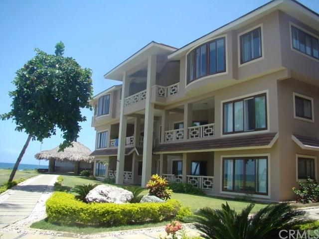 1 Oceanpoint #111, Outside Area (Outside Ca), OS 29928 (#OC17184679) :: DiGonzini Real Estate Group