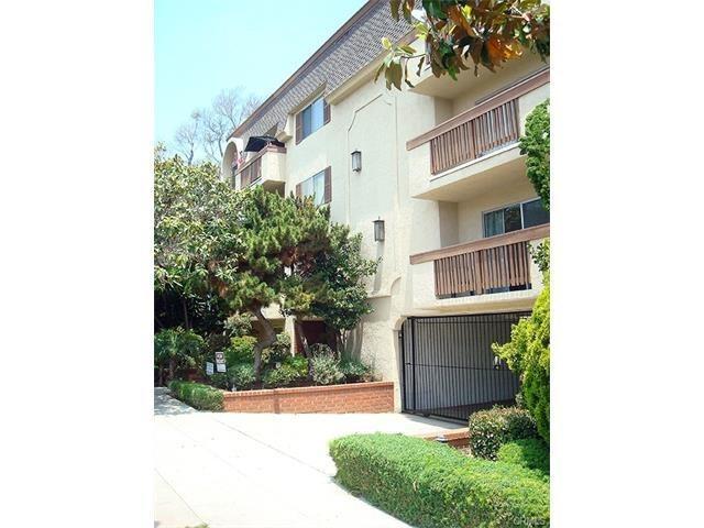 811 6th Street #101, Santa Monica, CA 90403 (#SB17193137) :: Prime Partners Realty