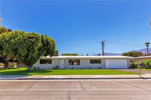 3871 E Camino Parocela, Palm Springs, CA 92264 (#SW17193276) :: Carrington Real Estate Services