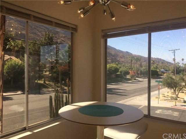 2290 Palm Canyon Drive S #10, Palm Springs, CA 92264 (#OC17191427) :: Carrington Real Estate Services