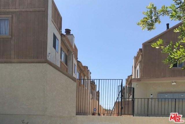 1826 W 145TH Street F, Gardena, CA 90249 (#17263258) :: Erik Berry & Associates