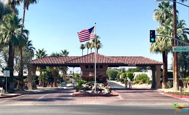 73850 Desert Greens Drive, Palm Desert, CA 92260 (#17263366PS) :: The Val Ives Team