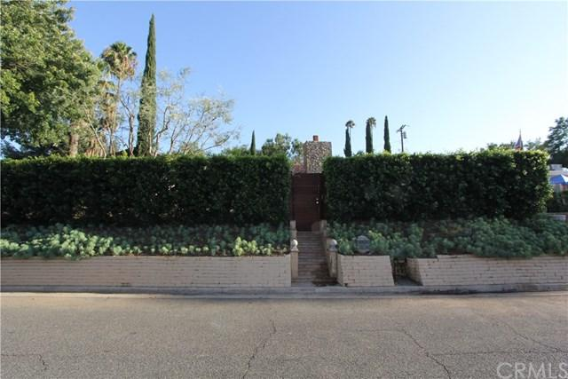 4927 Rockledge Drive, Riverside, CA 92506 (#IV17194237) :: The Val Ives Team