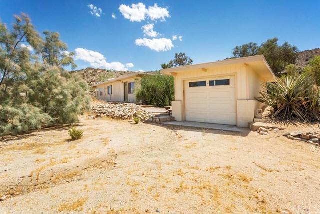 7912 Victor Vista Avenue, Yucca Valley, CA 92284 (#JT17194836) :: DiGonzini Real Estate Group