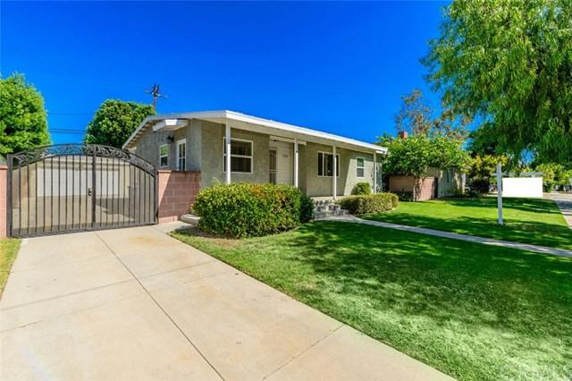 3208 San Anseline Avenue, Long Beach, CA 90808 (#OC17194681) :: Kato Group