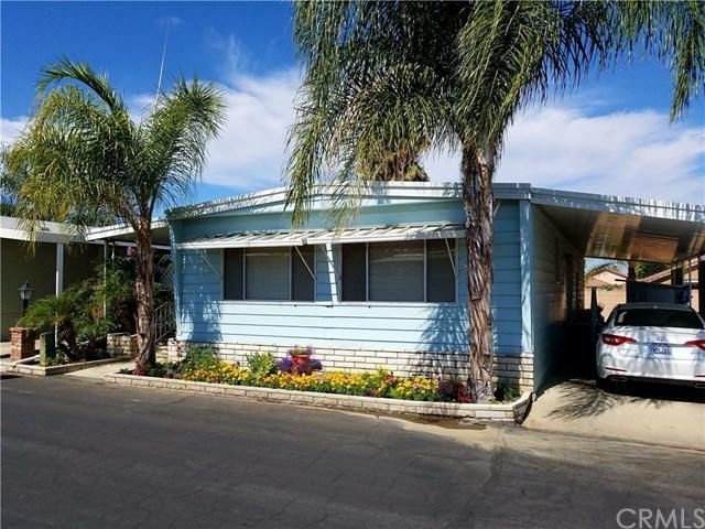 881 N Lake Street #224, Hemet, CA 92544 (#CV17195607) :: Impact Real Estate
