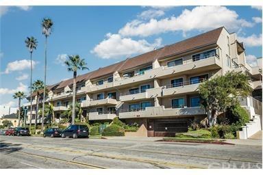 700 Esplanade #40, Redondo Beach, CA 90277 (#SB17194548) :: Erik Berry & Associates
