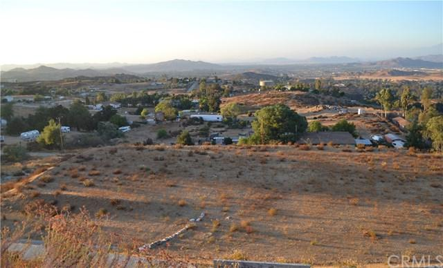 26305 Beachwood Road, Menifee, CA 92584 (#SW17194511) :: Impact Real Estate