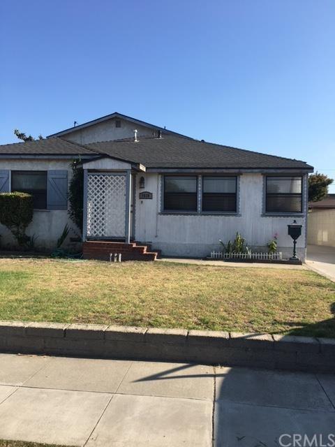 1610 W Gardena Boulevard, Gardena, CA 90247 (#DW17195904) :: Erik Berry & Associates