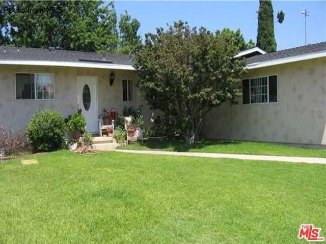 4809 Ostrom Avenue, Lakewood, CA 90713 (#17263902) :: Erik Berry & Associates