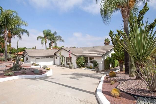 23744 Moonglow Court, Ramona, CA 92065 (#SW17204480) :: RE/MAX Empire Properties