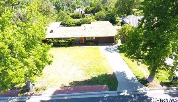 826 Green Lane, La Canada Flintridge, CA 91011 (#317006413) :: Fred Sed Realty