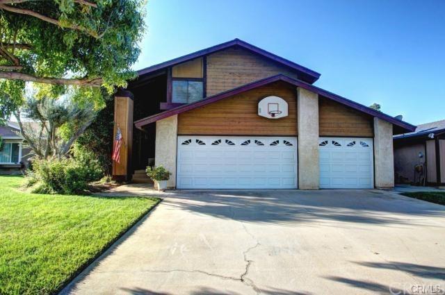 7910 Maria Drive, Jurupa Valley, CA 92509 (#OC17213609) :: Provident Real Estate