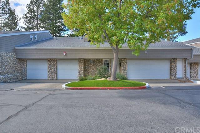 344 Lake Resort Road, Lake Arrowhead, CA 92352 (#EV17214145) :: Angelique Koster
