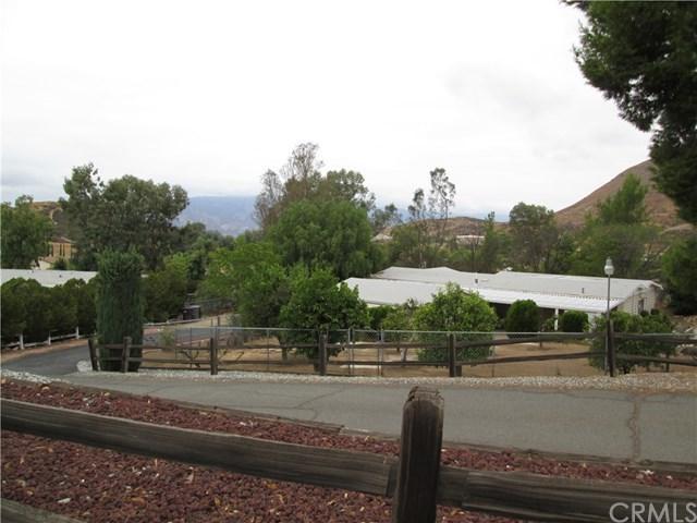 33575 Hayfield Circle, Wildomar, CA 92595 (#SW17215093) :: Kim Meeker Realty Group