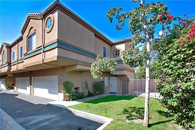 2160 College, Costa Mesa, CA 92627 (#PW17216458) :: Carrington Real Estate Services