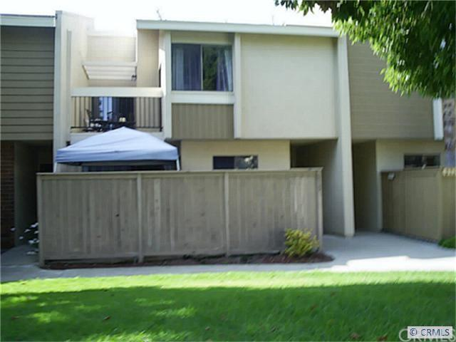 615 Brookview Way #54, Costa Mesa, CA 92626 (#PW17216754) :: Carrington Real Estate Services