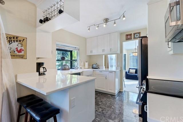 10 Shadow Hill Lane #20, Laguna Hills, CA 92653 (#OC17215725) :: Doherty Real Estate Group