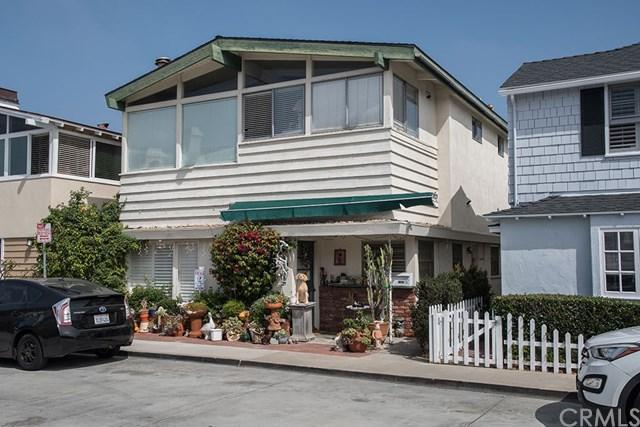 1608 Balboa Avenue, Newport Beach, CA 92662 (#NP17217551) :: Doherty Real Estate Group